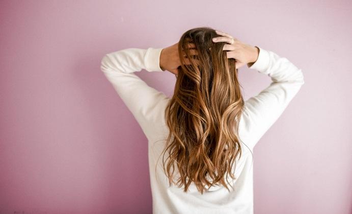 ACV - The New All Natural Anti-Dandruff Shampoo?
