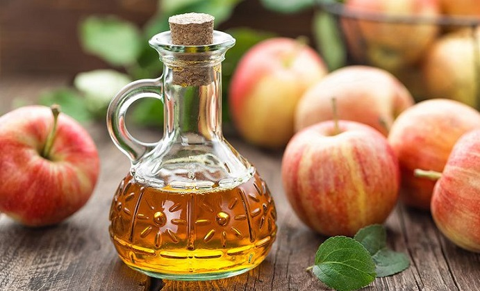 The Pros & Cons Of Apple Cider Vinegar